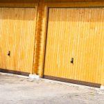 Garagentore aus Holz
