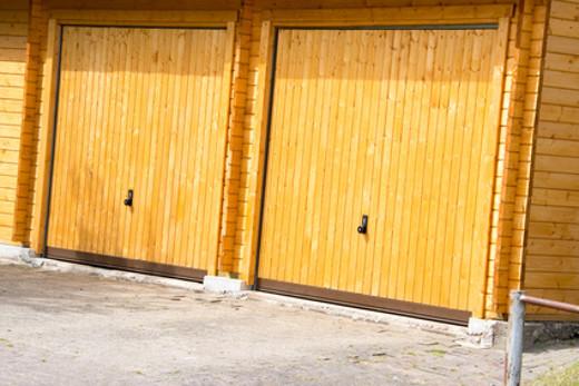 Doppelgarage aus Holz © Blende8, fotolia.com