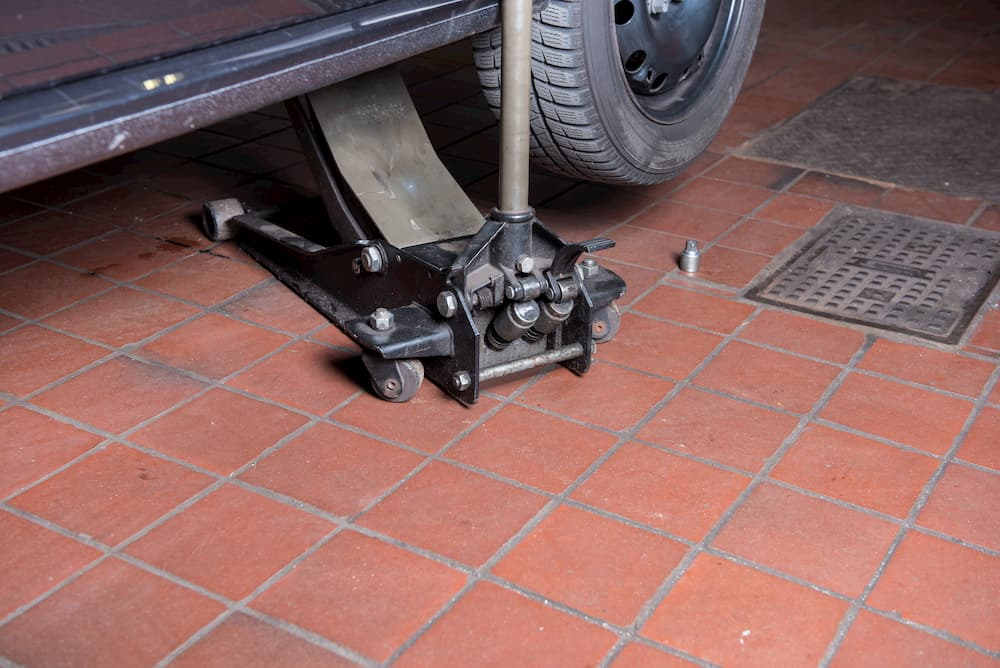Geflieste Garage © Jürgen Hüls, stock.adobe.com