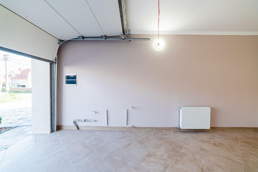 Garage mit Heizung © Pavlo Tovtin, stock.adobe.com