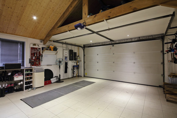 Garage mit Torantrieb © Mariesacha, fotolia.com
