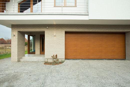 Haus mit integrierte Garage © Photographee.eu, fotolia.com