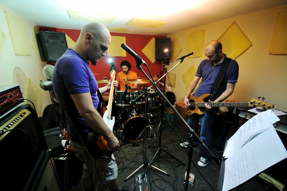 Proberaum in der Garage © shock, stock.adobe.com