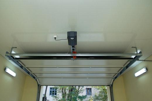 sektionaltor geöffnet © vera7388, fotolia.com